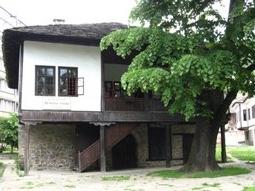 Дечкова къща